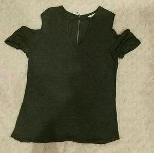 Gray short NWOT -zipper back -keyhole neckline